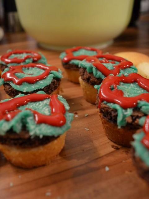 Hamburger Cupcakes with salad and ketchup